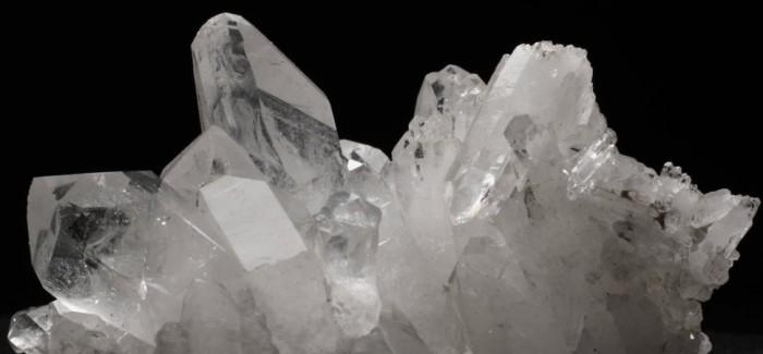 clear quartz healing stones