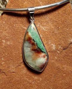 aquaprase-eotwi-pendant