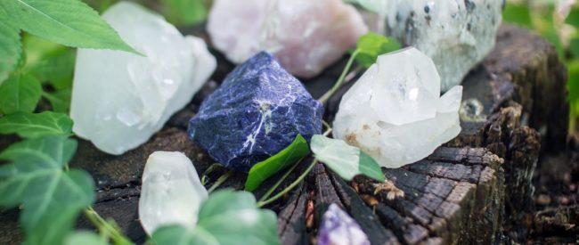 crystals-1567953_1920
